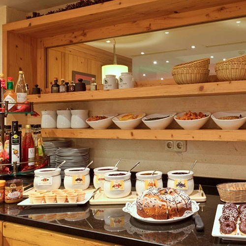 Familienhotel Tirol, Galtenberg Family & Wellness Resort, Buffet