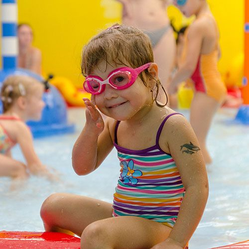 Familotel Kolping Hotel Spa & Family Resort, Kind im Schwimmbad, Familienhotel mit Schwimmbad