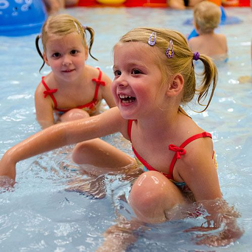 Familotel Kolping Hotel Spa & Family Resort, Kind im Schwimmbad, Kinderhotel mit Pool