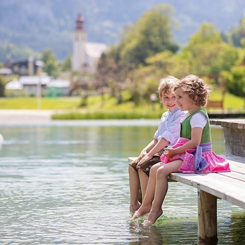 Familienhotel Salzburger Land, POST Family Resort, zwei Kinder am See
