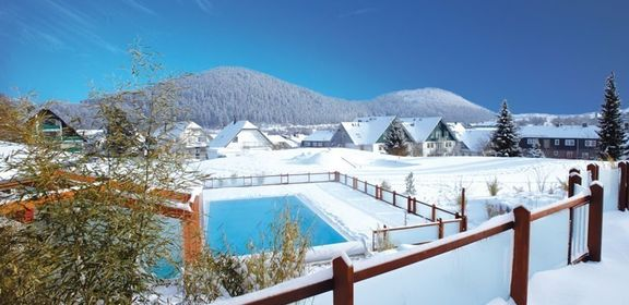 Familotel Sonnenpark, Outdoor-Pool im Winter