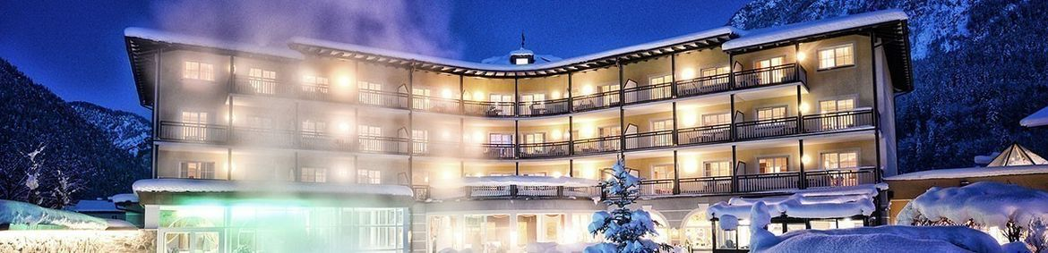 Familienhotel Post Family Resort, Aussenansicht im Winter